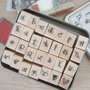 蝴蝶花体铁盒字母印章 28枚入(小写)