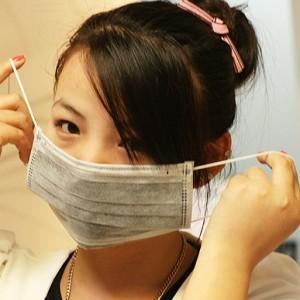 一次性活性炭防甲醛抗菌防禽流感防雾霾竹炭口罩(1盒50个售)