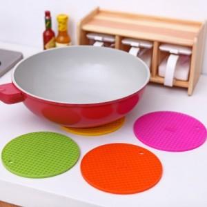 糖果色防水硅胶隔热垫/可挂式锅垫(厚款) 玫红