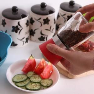 手动机芯便捷胡椒碾磨器 黑胡椒花椒碾磨器 玻璃调味瓶 黑色