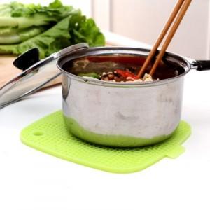 居家硅胶餐桌厨房隔热防烫垫锅垫碗垫盘垫餐垫正方型 玫红色