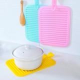 创意硅胶沥水防滑隔热垫餐桌垫 可挂方形锅垫杯垫碗垫防烫垫 绿色