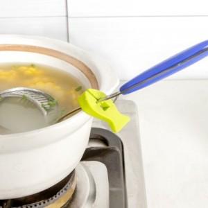 厨房创意防烫防滑汤勺架 硅胶小鱼造型多功能防烫夹(2个装) 绿色