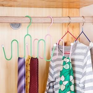 创意S型多钩晾鞋架丝巾挂弧形挂钩 多夹连挂防滑晾晒挂架 绿色