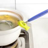 厨房创意防烫防滑汤勺架 硅胶小鱼造型多功能防烫夹(2个装) 粉色