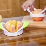 创意厨房小工具省力苹果去核器 水果分割器 切片器 绿色